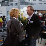 Viele andere Träger besuchten uns an diesem Tag und gratulierten. Stefan Zenker im Gespräch mit Birgit Angermann, Geschäftsführerin des REHA e.V. Foto: Ines Fischer