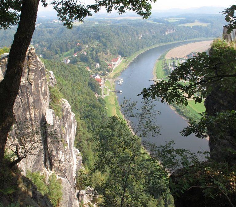 Atemberaubende Aussichten auf das Elbsandsteingebirge